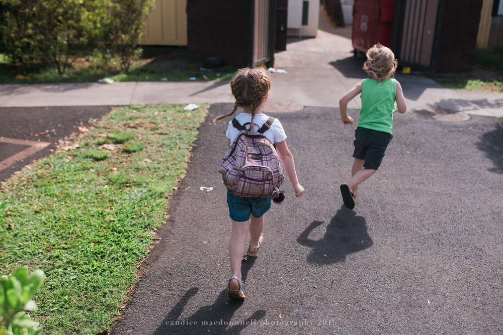 running kids in the military when it's time to move away - best friend session oahu hawaii family documentary photographer