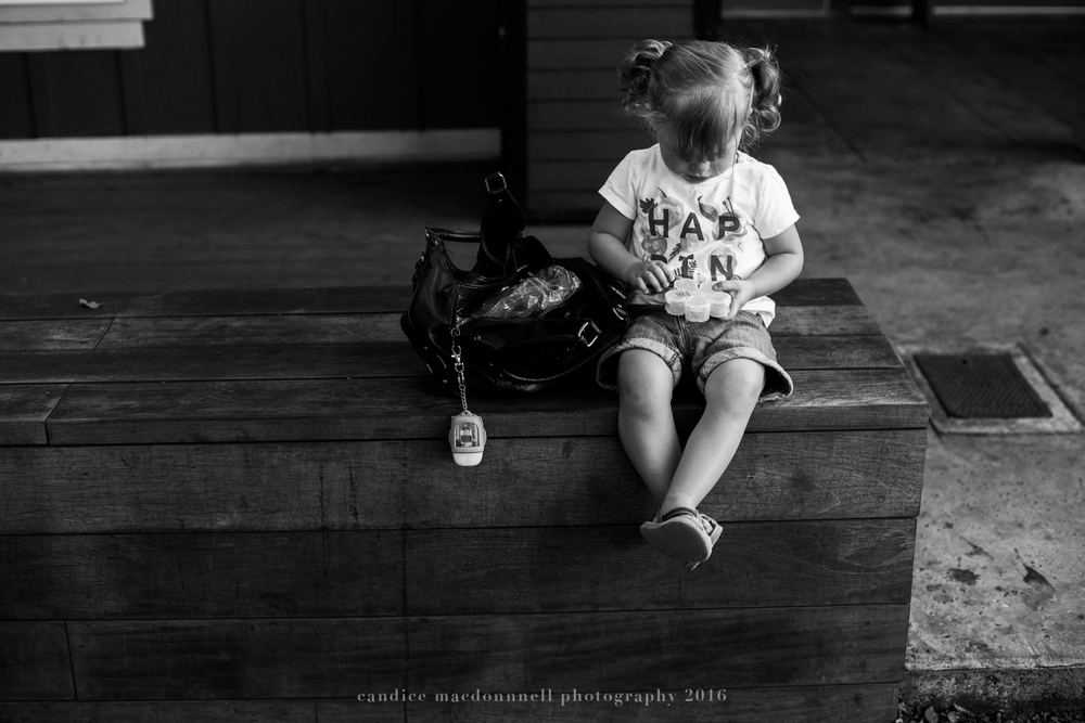 kids in the military when it's time to move away - best friend session oahu hawaii family documentary photographer