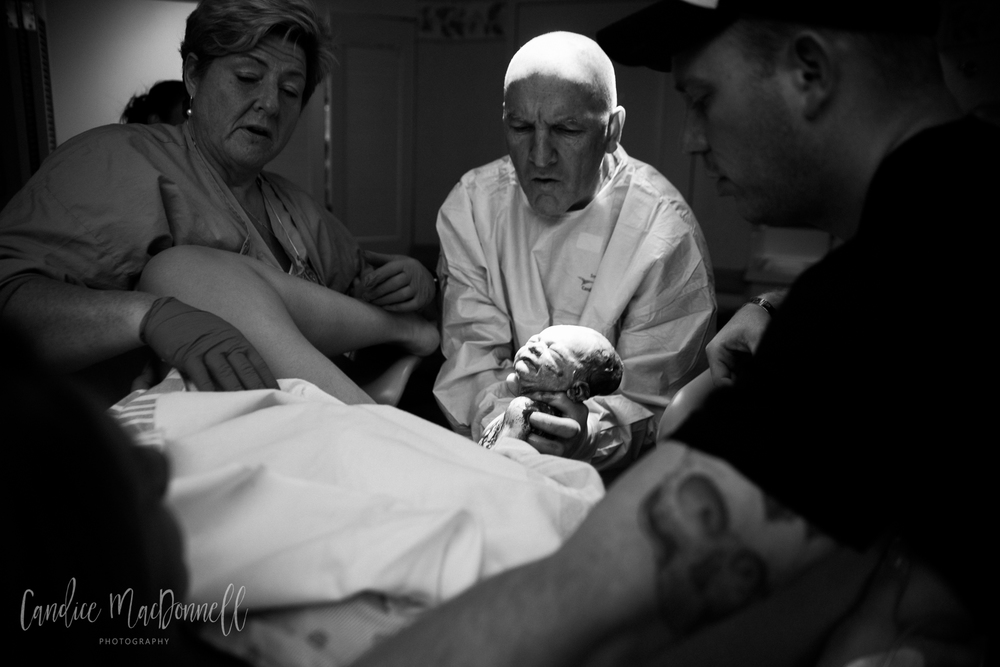 here is baby! dr foley queens hospital baby birth delivery oahu hawaii honolulu photography