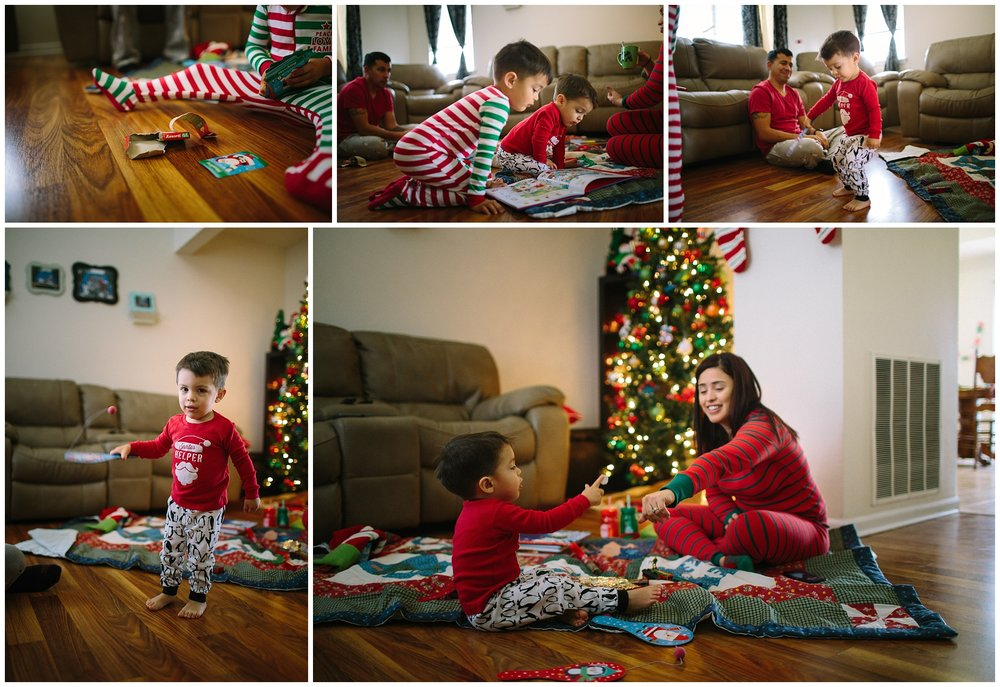 kids playing with christmas gifts missouri family photography