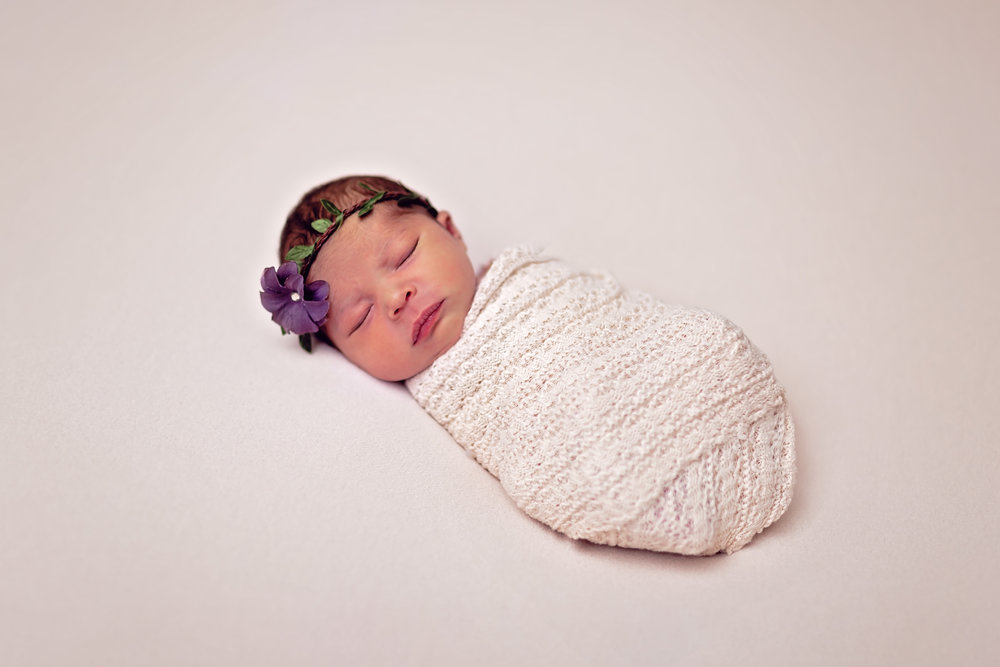 studio posed newborn photographer fort leonard wood mo
