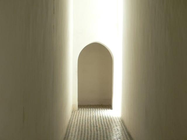 moroccan-doorway-1545643-640x480.jpg