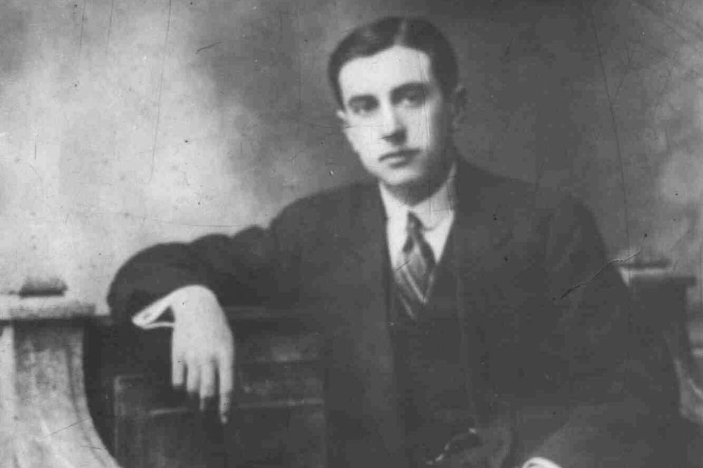 El Creacionismo | Vicente Huidobro - A multilingual innovator and international antifascisto, Vicente Huidobro (10 Jan. 1893 - 2 Jan. 1948) stands with Gabriela Mistral, Pablo de Rokha, and Pablo Neruda as one of the