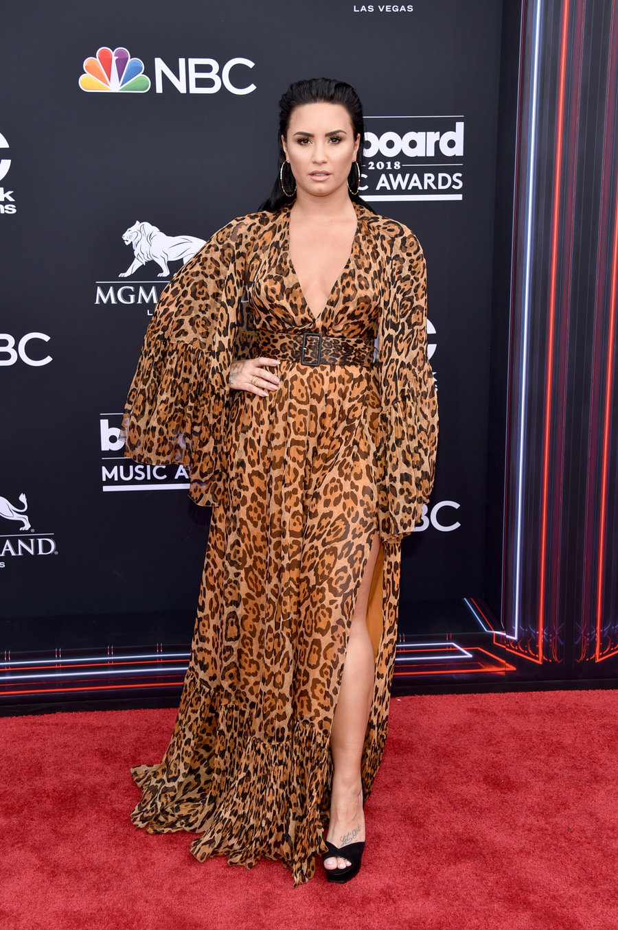 the best red carpet looks from the 2018 billboard music awards