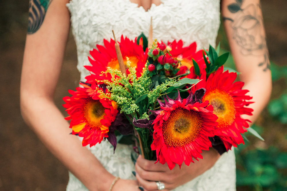 weddingsunflowers (1 of 1).jpg