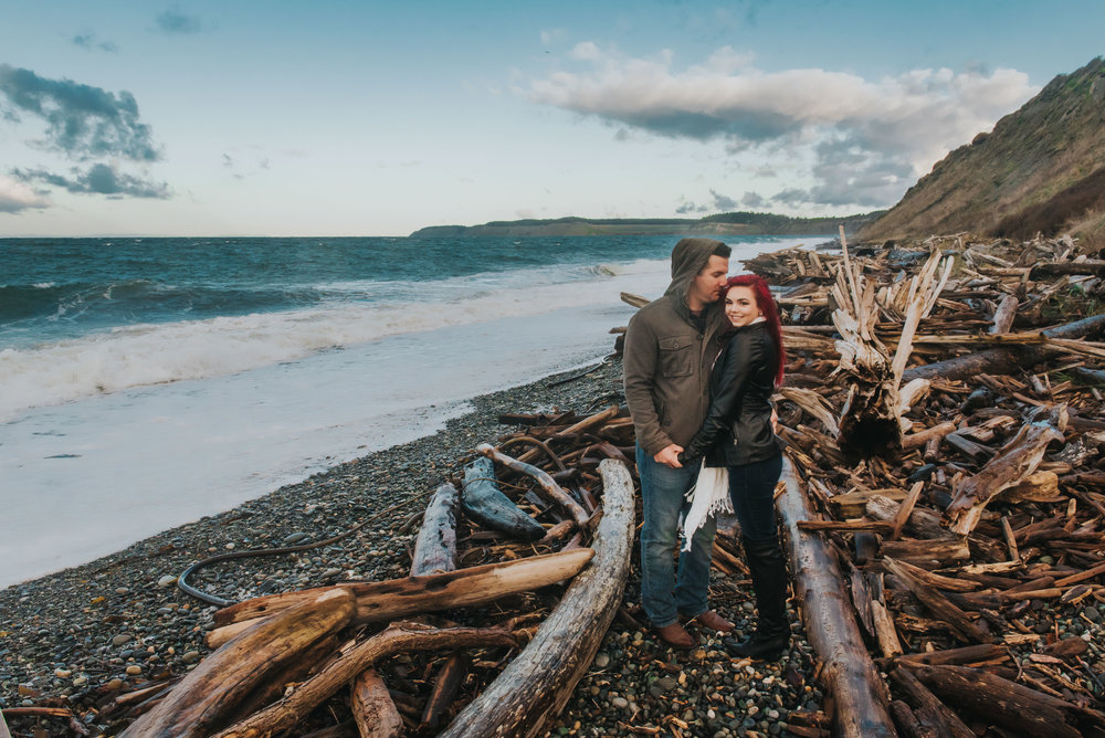 Oak-Harbor-Couples-Photographer (10 of 17).jpg