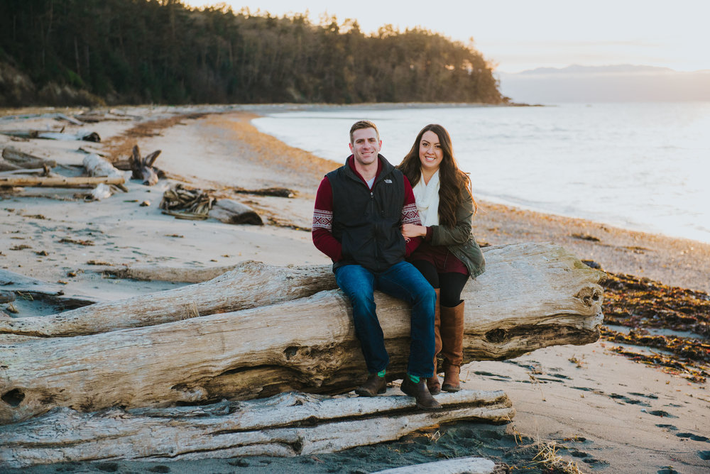 Oak-Harbor-Couples-Photographer (16 of 20).jpg