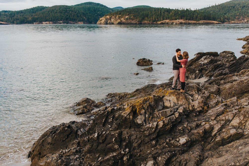Whidbey-Island-Engagement-Photos-16.jpg