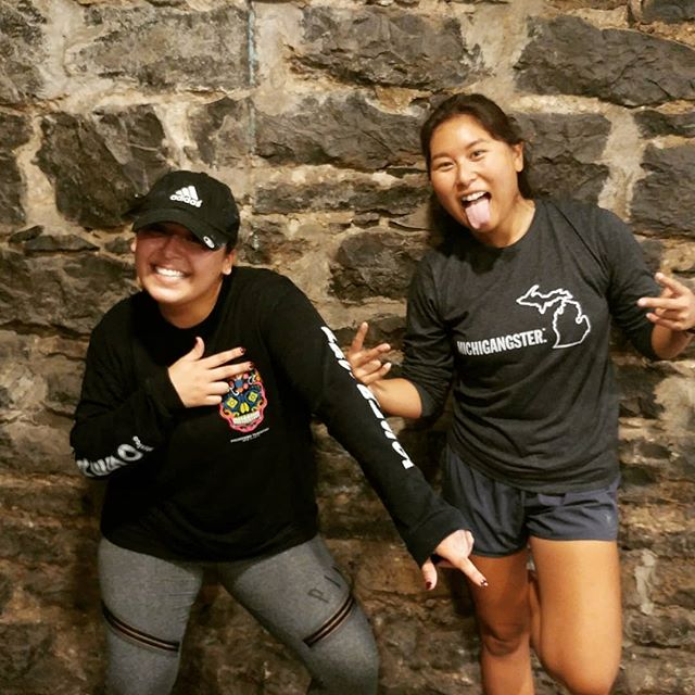 Two of my favorite clients having fun while getting after it in some PT for 2. These girls rock! 🙌🔥🎉😁 @saraharrieta27 @jesskcostello  #personaltrainer #fitnessentrepreneur #mavenmethods #hiittraining #hiitworkout #circuittraining #ptfor2 #kettlebellworkout #trxworkout #fitgoals #fitspo #fitmotivation #nashvillefit #nashvilletrainer #musiccityfit #musicrow #getatme