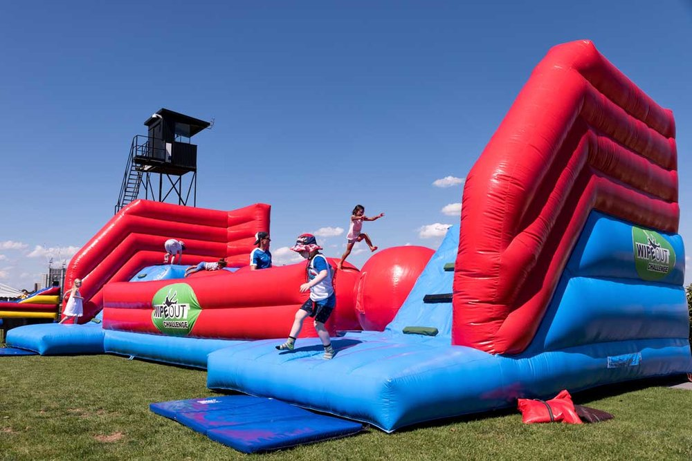 Inflatables<strong>Giant Interactive Inflatables</strong>