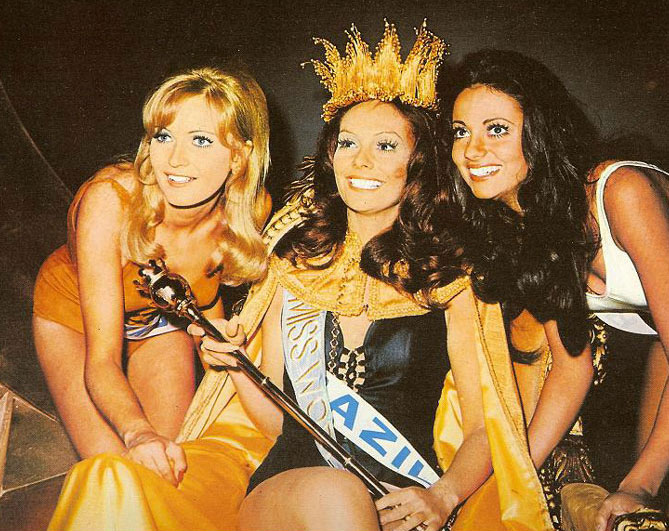 "O ""top 3″ do Miss Mundo 1971: Reino Unido (3), Lúcia Petterle do Brasil (MISS MUNDO) e Portugal (3)."
