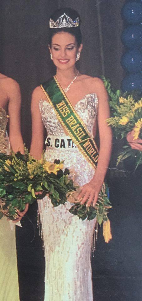 Francine Eickemberg de Santa Catarina, Miss Brasil World 2000.