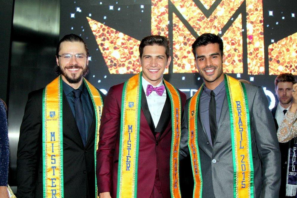 Os mais belos do Brasil deram show com o microfone: Lucas (2014), Carlos (2016) e Anderson (2015).