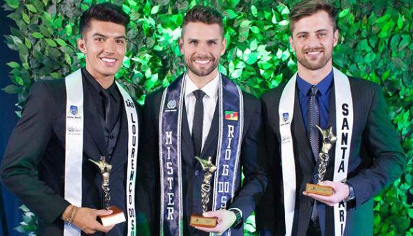 Vinícius de São Lourenço do Sul, vice-Mr RS 2017, Augusto de Canoas, Mr RS 2017, Lucas de Santa Maria, terceiro colocado no Mr RS 2017.