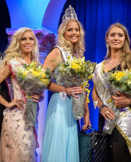 Côrte da beleza sueca: Isabelle, a terceira colocada,Hanna-Louise, a nova Miss Suécia World, e Maja, a segunda colocada.