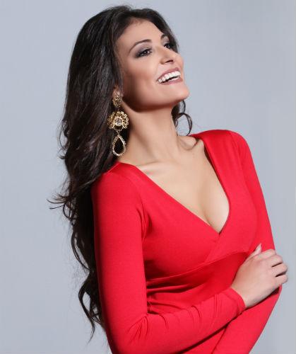 O sorriso arrebatador Caroline Venturini, a Miss Grand Brasil 2017.