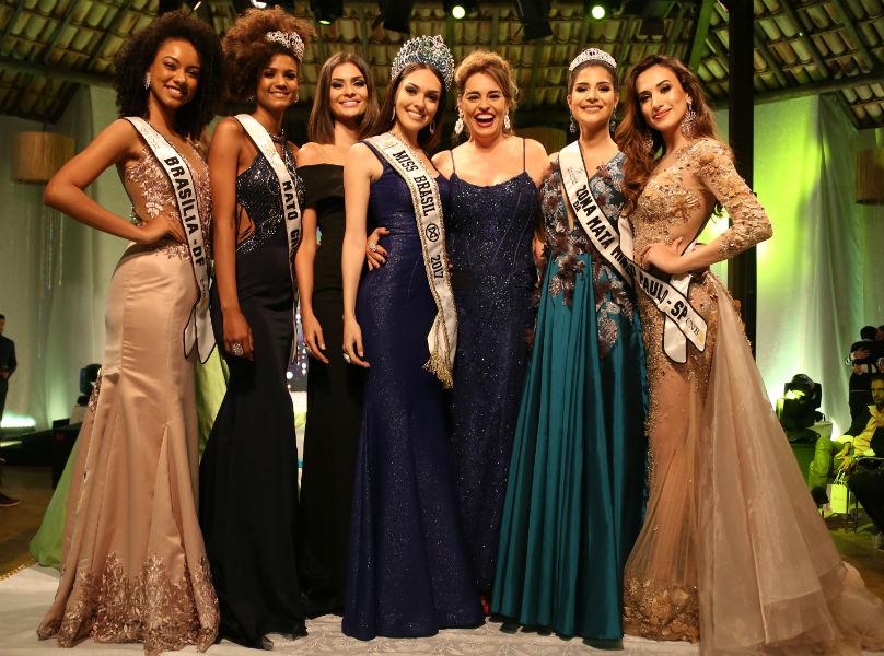 5 das 6 finalistas do CNB 2017, com a vice-Miss Brasil Mundo 1984 e atriz Suzy Rêgo (foto/Leonardo Rodrigues)