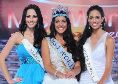"""Gibraltar surpreendeu a todos e venceu o Miss Mundo 2009, deixando a favorita do México (e) em segundo lugar, e a """"dona da casa"""", Miss África do Sul, na terceira colocação."""