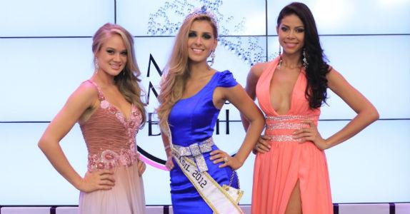 Karine Barros (PE), terceiro lugar, Mariana Notarângelo (RJ), Miss Mundo Brasil, Camila Serakides (T0), vice-Miss Mundo Brasil (foto Fernando Scherer).