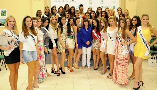Julia Morley conversou com as candidatas sobre o Beleza com Propósito e emocionou a muitas.