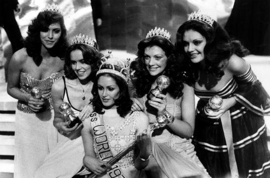 Mais um Top 5 de primeira grandeza nos mágicos anos 1970 no Miss Mundo.