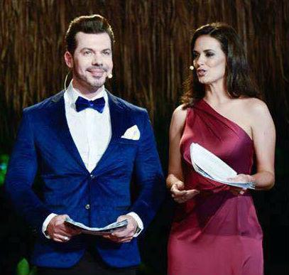 Livia Nepomuceno e Juliano Crema conduziram o Concurso Nacional de Beleza 2017 com talento e sincronia.