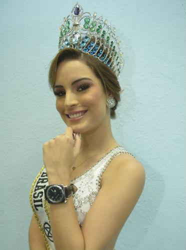 A Miss Brasil Mundo Jéssica Carvalho ganhou um relógio avaliado em quase R$ 8000,00 da Mundo Ritmo (divulgação/Aliram Campos)