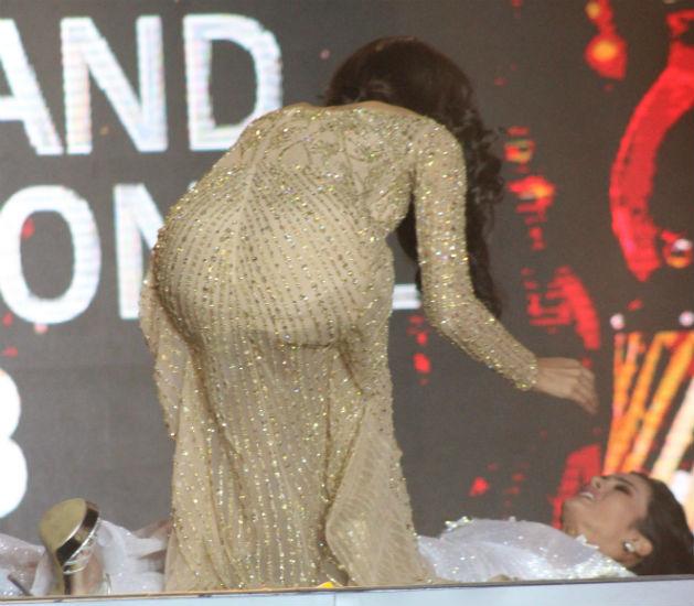 Miss Índia tenta acudir a nova Miss Grand International: ela não aguentou a emoção e desmaiou!