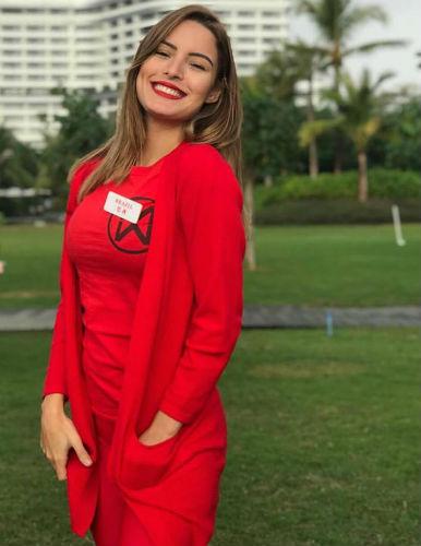 A Miss Brasil Mundo Jéssica Carvalho em Sanya, China, onde concorre ao título de Miss Mundo 2018.