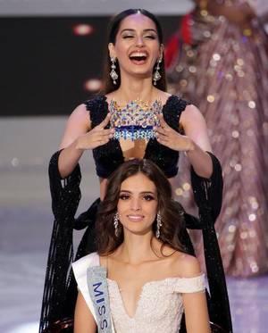 Vanessa Ponce de Leon é coroada por Manushi Chhillar. A mexicana é a Miss Mundo 2018!