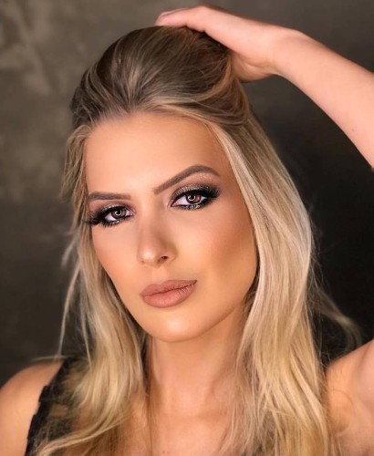 Tayná Laydner é a Miss Eco International - Brasil 2019.