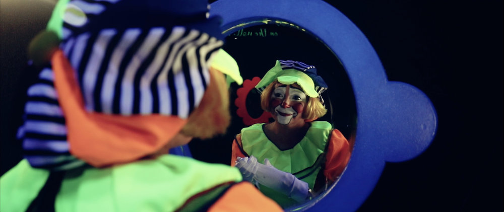 Clown in mirror.jpg