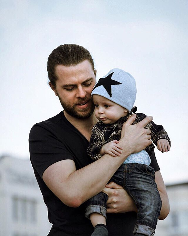 Fatherhood is already the most challenging and rewarding thing I have ever done… and I'm only 8 months in! Looking forward to what the future holds… 😊 _ _ _  #organic #natural #healthy #motivation #tcm #acupuncture #acupunctureworks #alternativehealth #travel #londonlife #londontravel #goals #dadgoals #londonkids #kidsphoto #livewell #wellness #dadlife #healthyliving #papa #natural #davidpeterslondon #live #inspiration #healing #fatherhood #dad #parentingwin