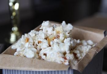 Garlicky Parmesan Popcorn
