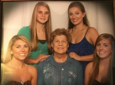 NOTE: the difference in eyebrows from the Fitz sisters...(clockwise) Me, Elizabeth, Tara, Kelly, and Grandma