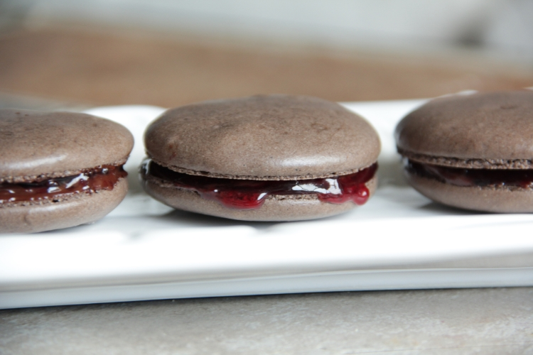 Black Forest Macarons... the perfect combo of tart cherries, semisweet dark chocolate, and a crunchy AND chewy cookie!