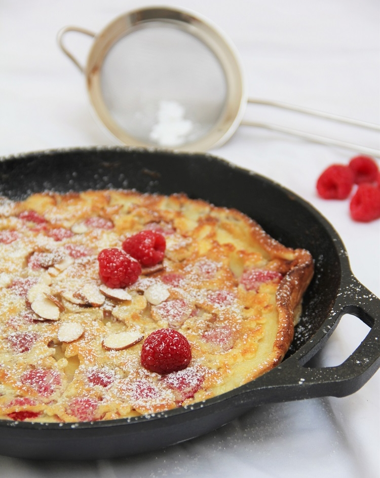 Raspberry+Almond+Dutch+Baby+Recipe