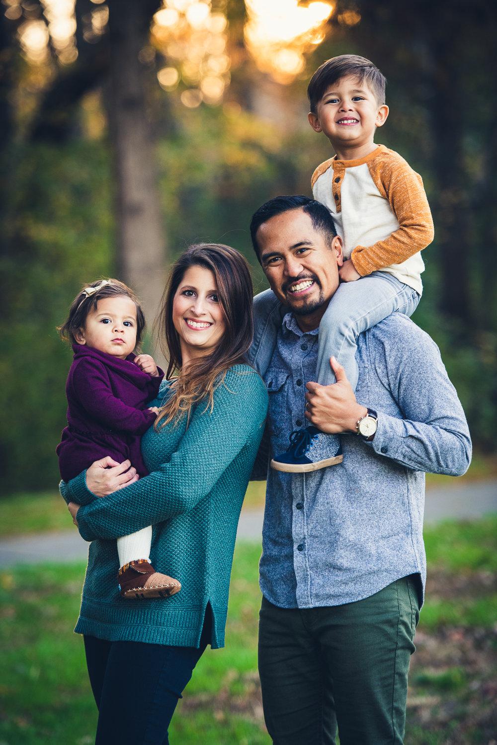 20181111 - Michelle Philip Family Shoot LR-30.jpg