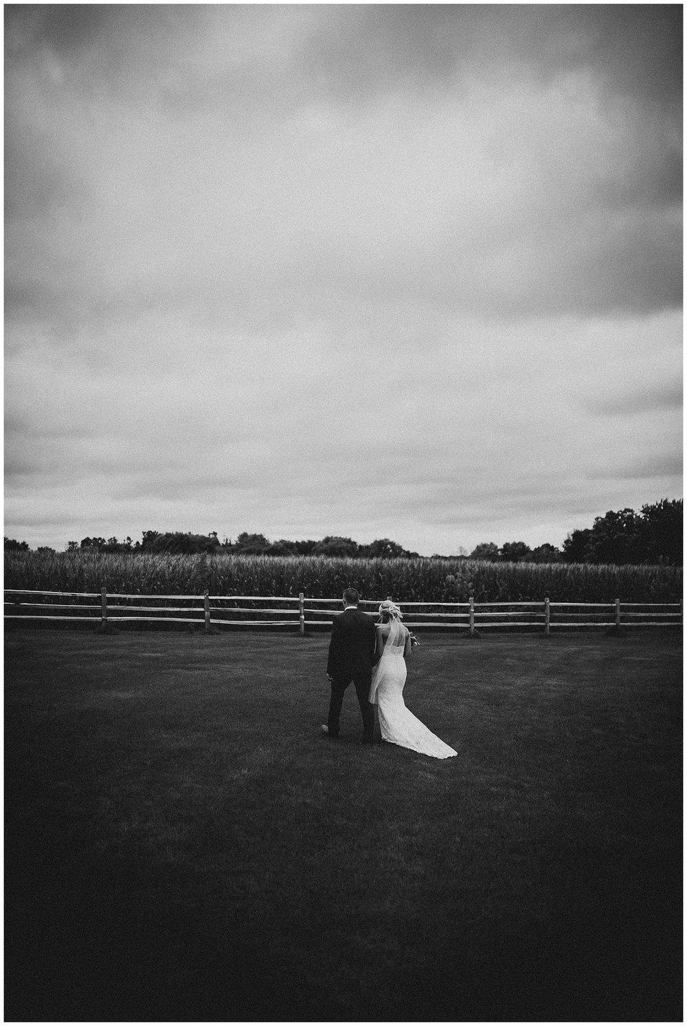 WISCONSIN WEDDING PHOTOGRAPHER 111.jpg