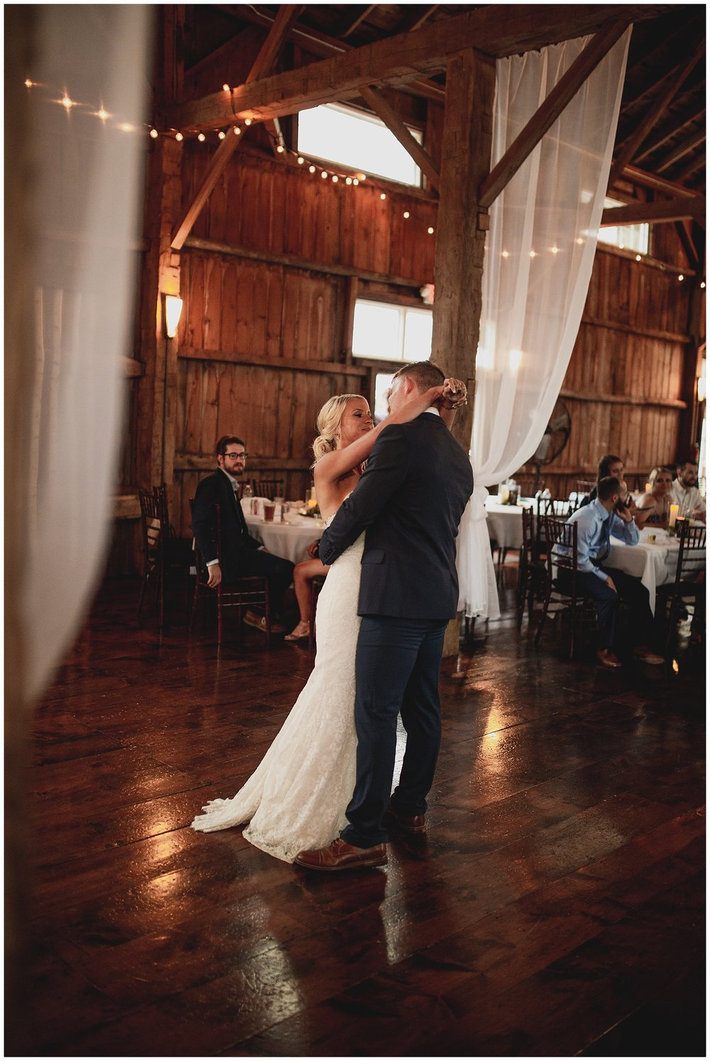 WISCONSIN WEDDING PHOTOGRAPHER 168.jpg