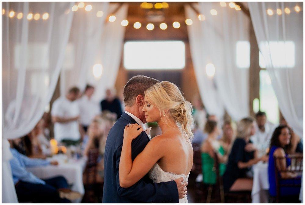 WISCONSIN WEDDING PHOTOGRAPHER 174.jpg