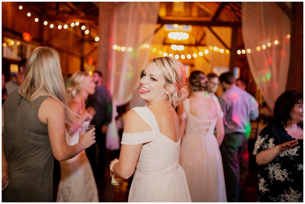 WISCONSIN WEDDING PHOTOGRAPHER 201.jpg