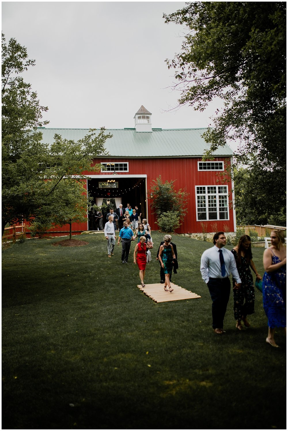 WISCONSIN WEDDING PHOTOGRAPHER 205.jpg