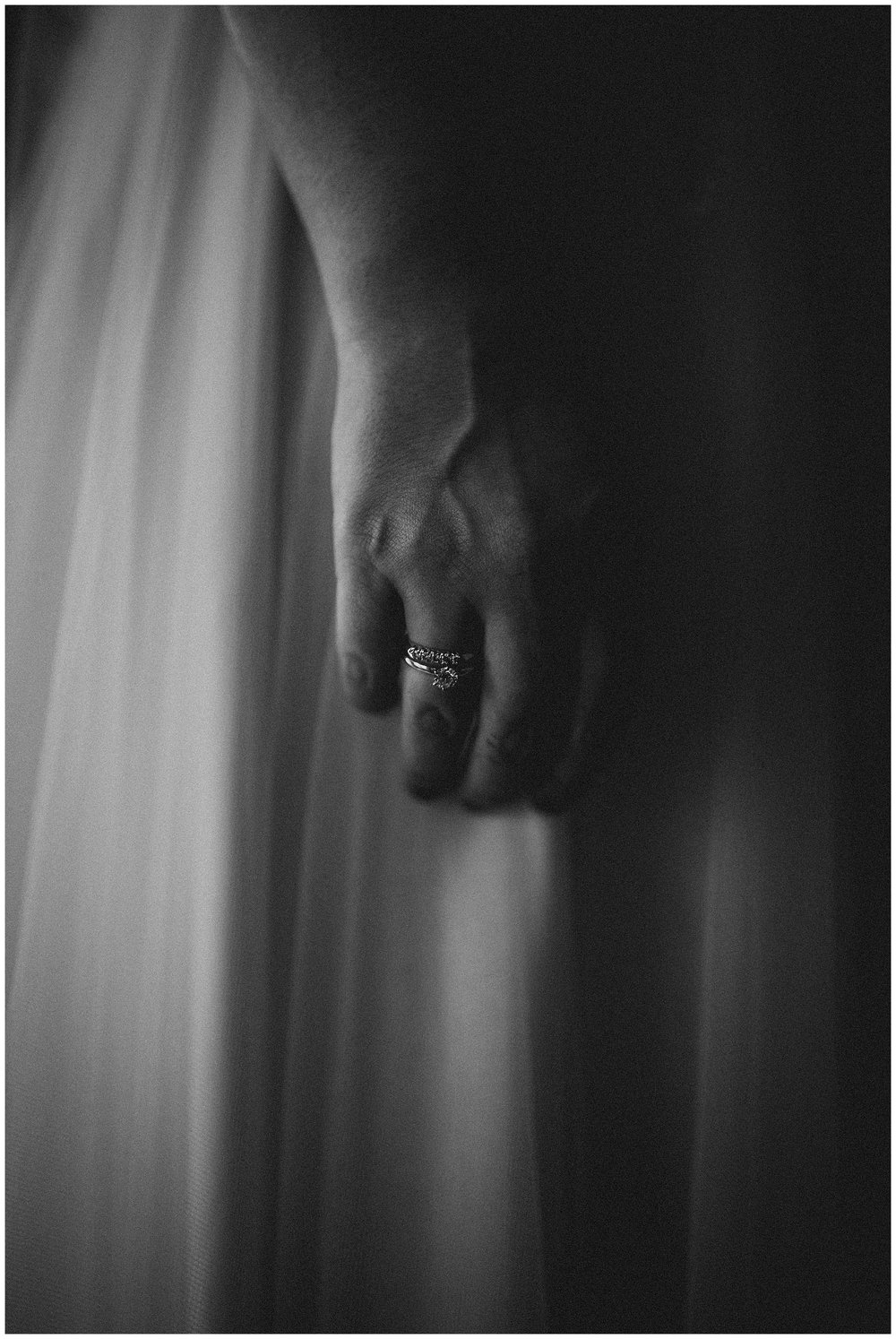 WISCONSIN WEDDING PHOTOGRAPHER -THE COVENANT AT MURRAY MANSION WEDDING-102.jpg