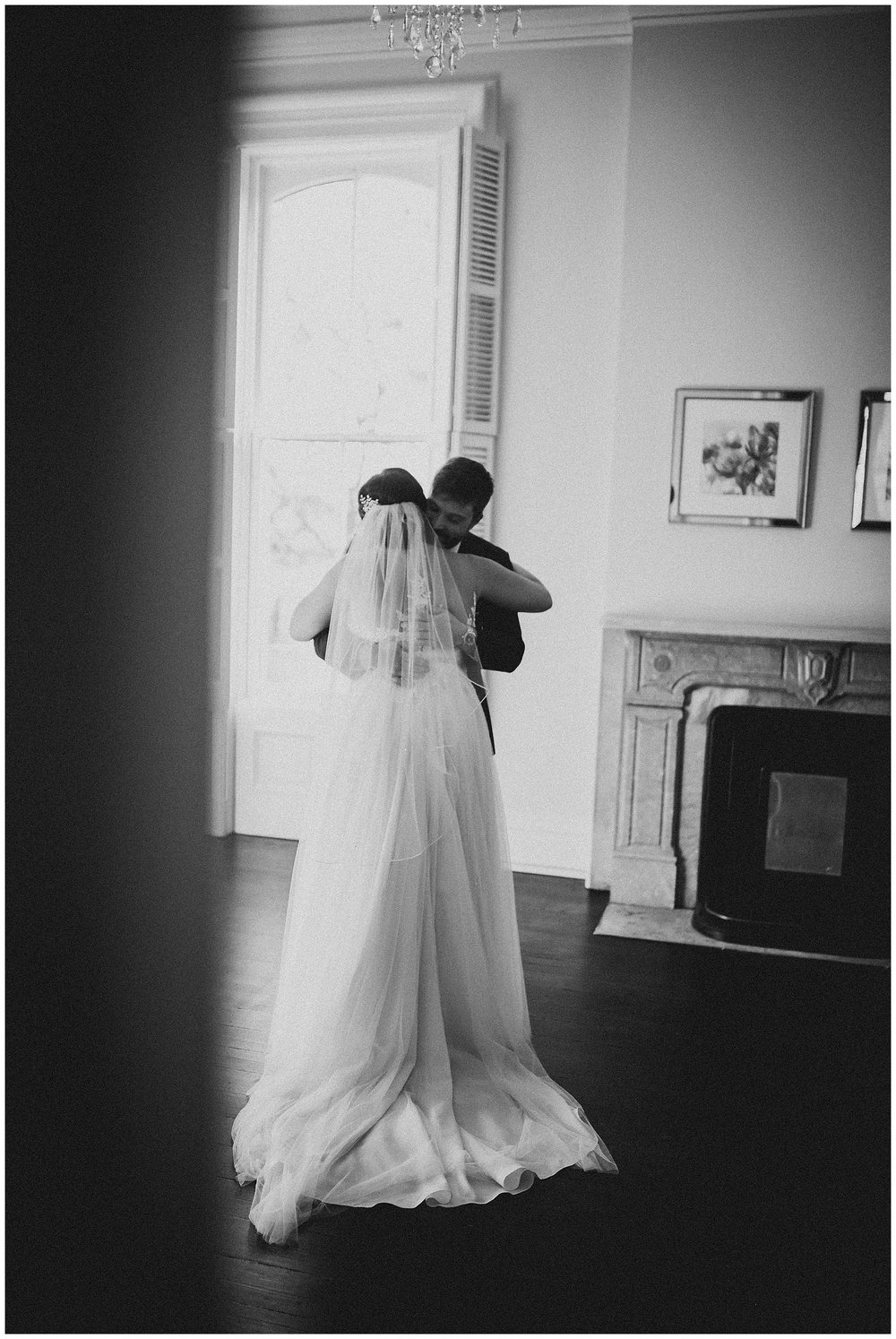 WISCONSIN WEDDING PHOTOGRAPHER -THE COVENANT AT MURRAY MANSION WEDDING-83.jpg