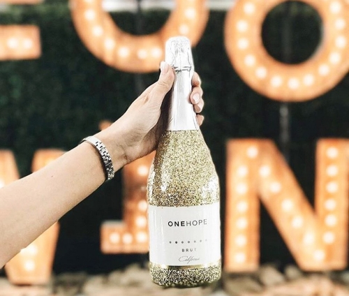 So maybe you don't get the sparkle bottle for your guy friends. PC:  @megrobins