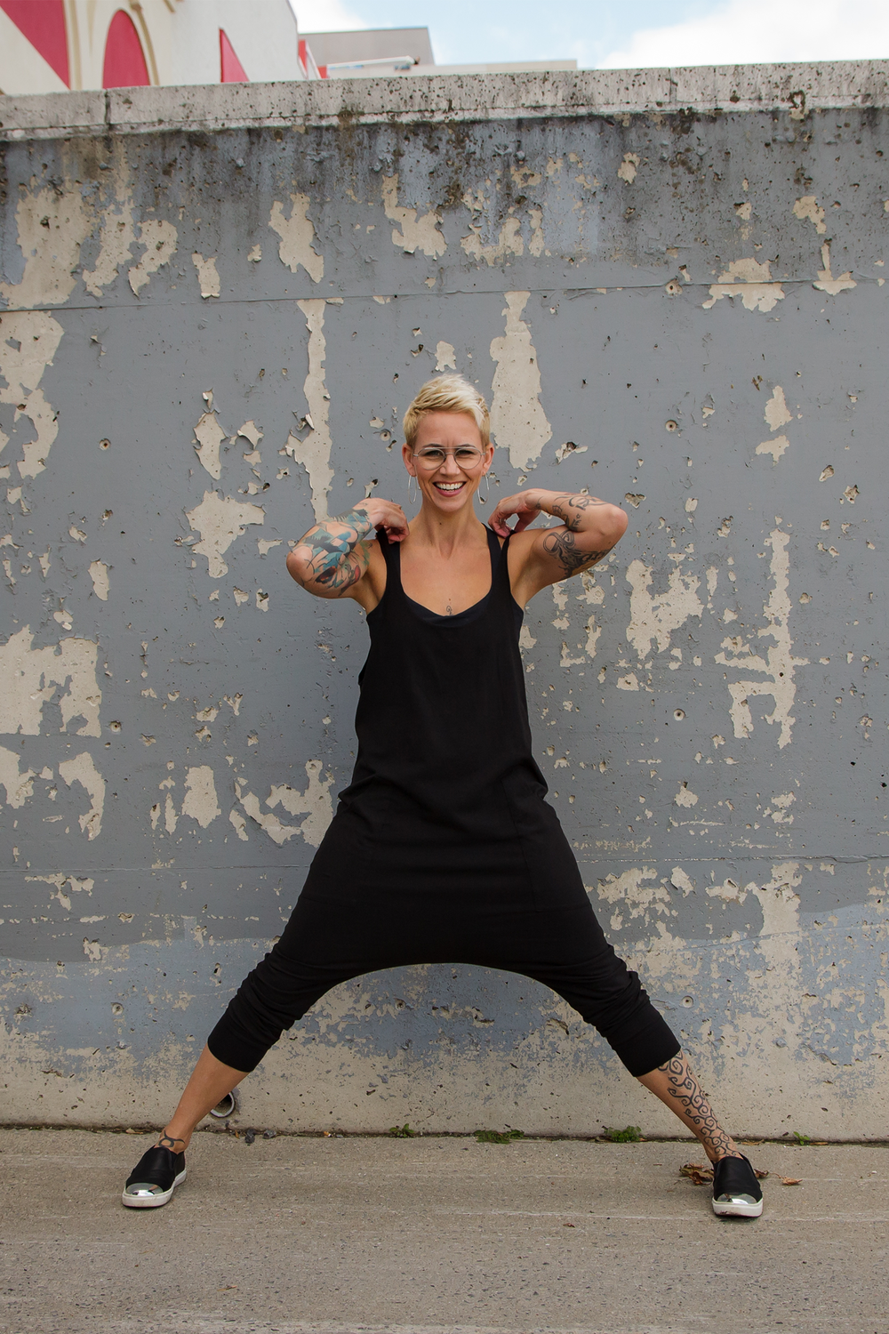 Dallas Delahunt - I believe that a regular yoga practice has the power to teach us how to be more aware of our experiences, be connected to the moments, and simply be. When we practice remaining present to each moment on our yoga mats, it shows us a way of being more present in our day to day lives. It reminds us to be kind, patient, and loving to ourselves, and in turn, to those around us. I work to infuse all these elements of my yoga practice into every aspect of my life from parenting to washing my dishes.My approach to teaching yoga is simple, accessible, and pragmatic. I focus on creating quiet spaces for the mind to calm down amidst the movement, work, and stillness of the body. My classes are powerful and gentle, a beautiful pairing to help you leave feeling nourished, supported, and loved.