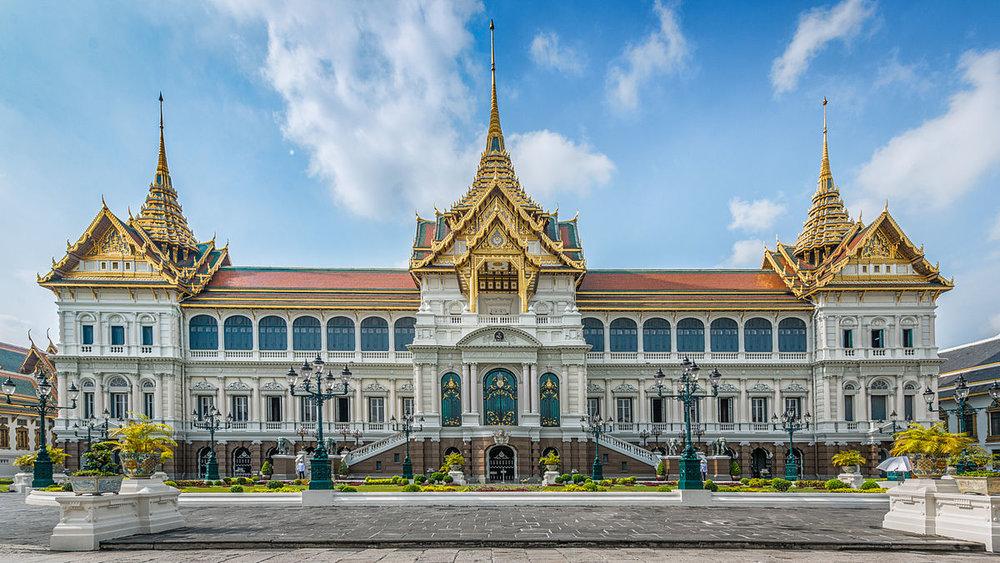 1200px-Grand_Palace_Bangkok,_Thailand.jpg