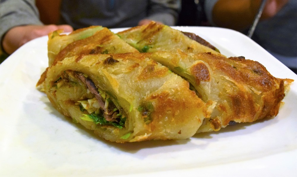 Green onion pancake with beef