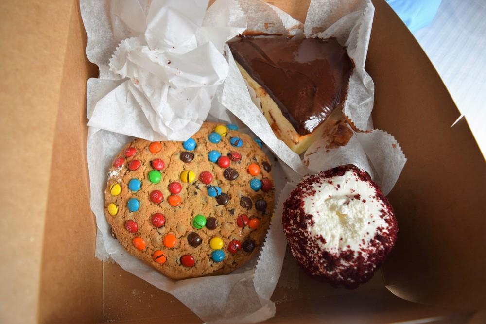 M&M cupcake, red velvet cupcake